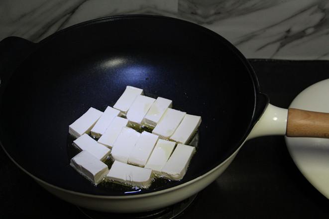 鸡蛋煎豆腐的家常做法