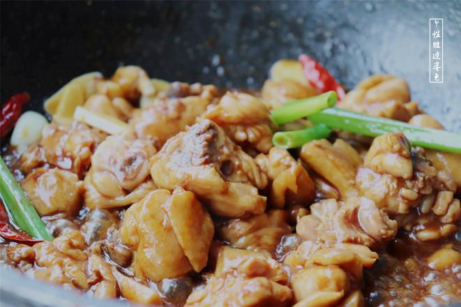 老板花5万买来的配方,这才是正宗的黄焖鸡米饭,酱料比例全部告诉你,跟饭店一个味!怎么炒