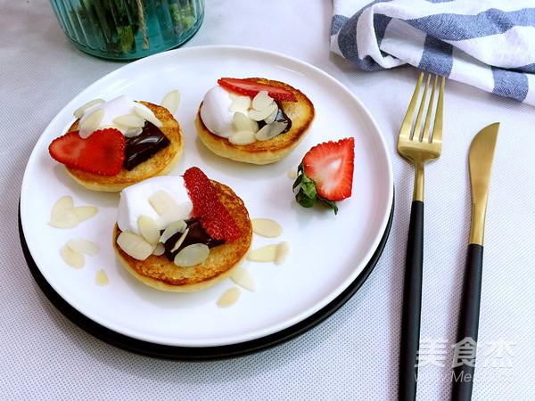 巧克力草莓棉花糖三明治怎么做