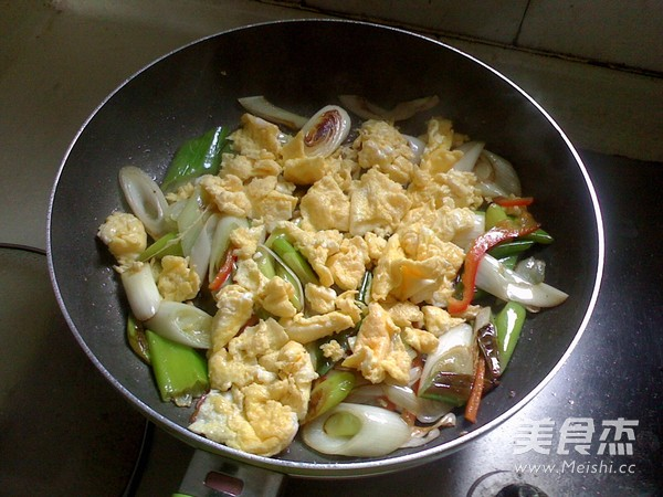 大葱炒鸡蛋怎么吃
