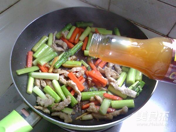 芦笋炒肉丝怎么炒