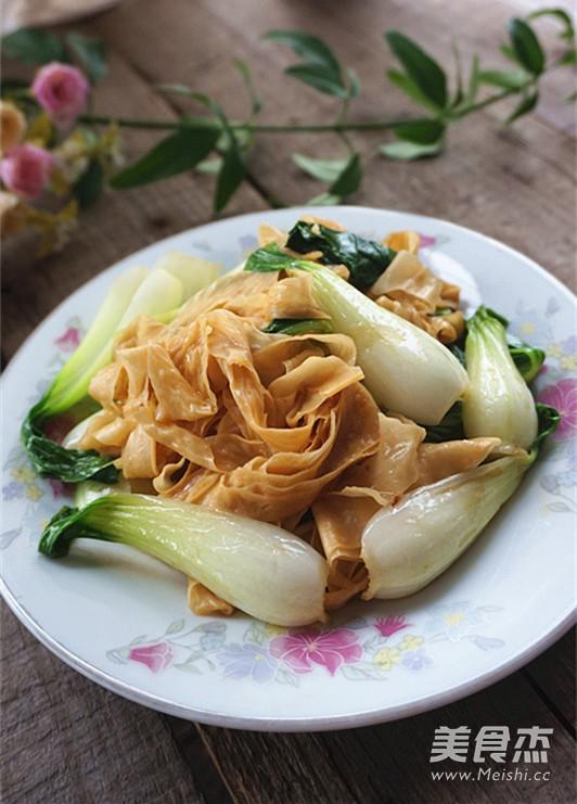豆皮炒青菜成品图