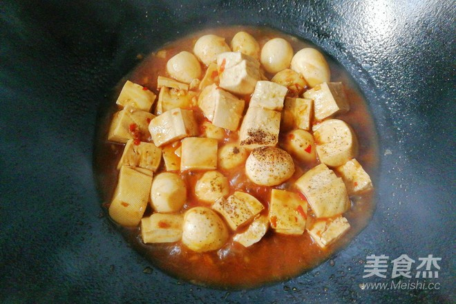鹌鹑蛋烧豆腐怎样煸
