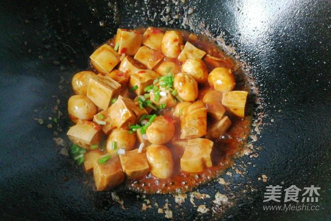 鹌鹑蛋烧豆腐怎样做