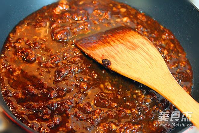 老坛酸菜牛肉风味酱拌面怎样炖