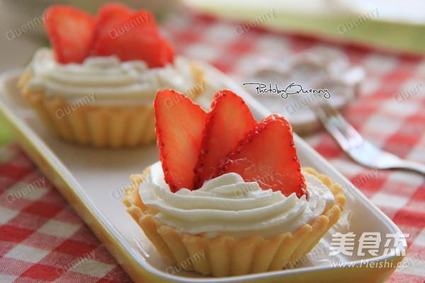 草莓芝士挞成品图