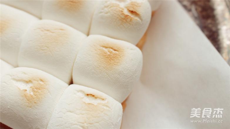 烤棉花糖厚吐司,不小心把天空的云彩咬掉了。怎么做