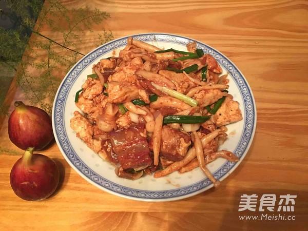 蟹味菇红烧肉烩豆腐成品图