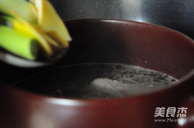 排骨莲藕汤怎么炒