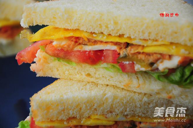 金枪鱼三明治成品图