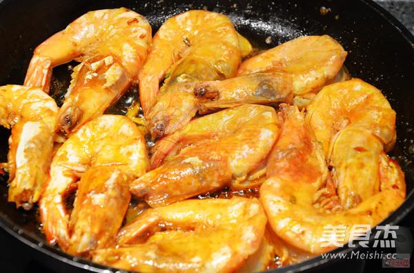 油焖大虾怎么炒