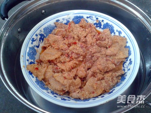 米粉蒸肉的制作