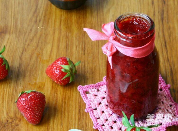 草莓酱成品图