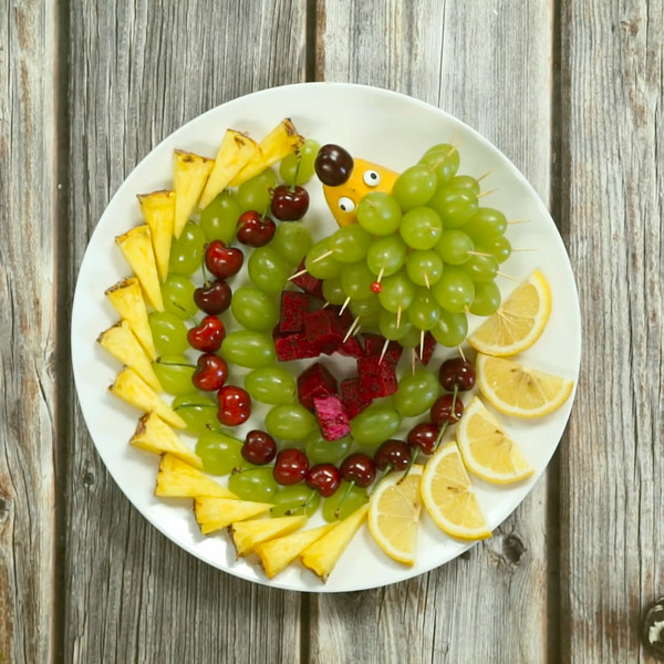 水果拼盘的简单做法