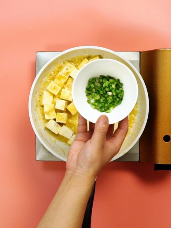 蟹黄豆腐的简单做法