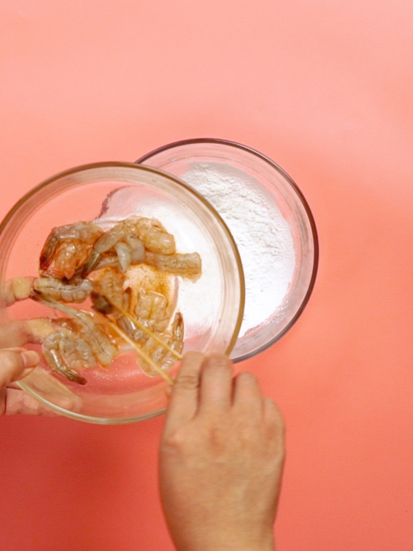 面包糠炸虾的简单做法