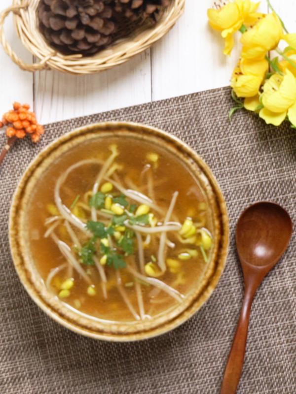豆芽汤成品图