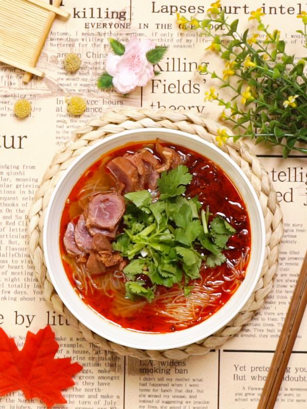 牛肉粉丝汤成品图