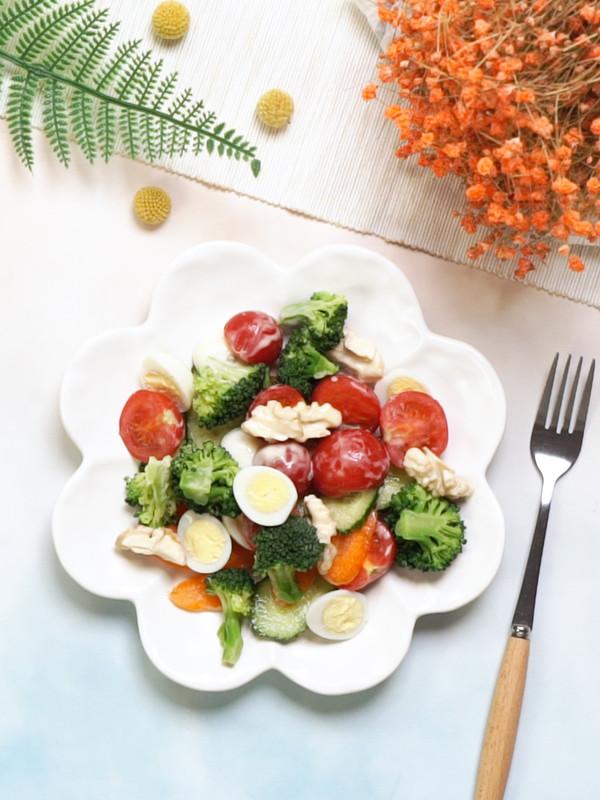 减肥沙拉成品图
