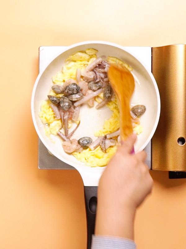 海鲜炒饭的简单做法