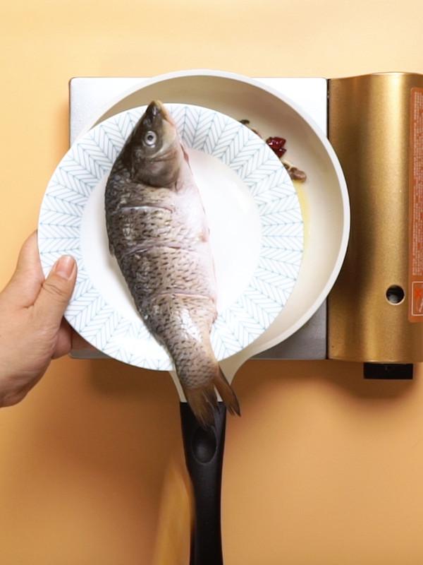 得莫利炖鱼的简单做法