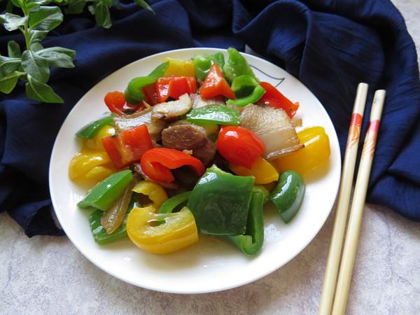 彩椒炒回锅肉成品图