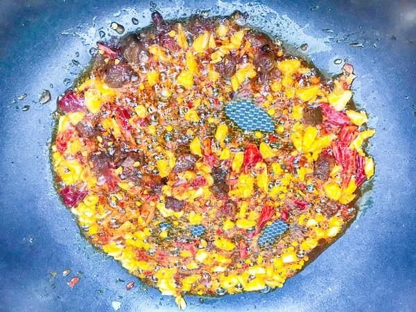 香辣干锅鸡的家常做法