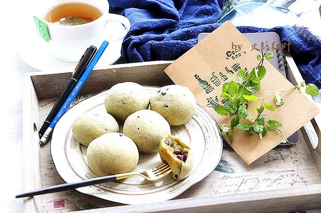 抹茶红豆麻薯包成品图