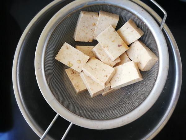 香辣臭豆腐怎么吃