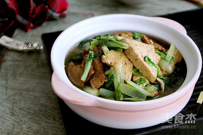 奶白菜炖豆腐成品图