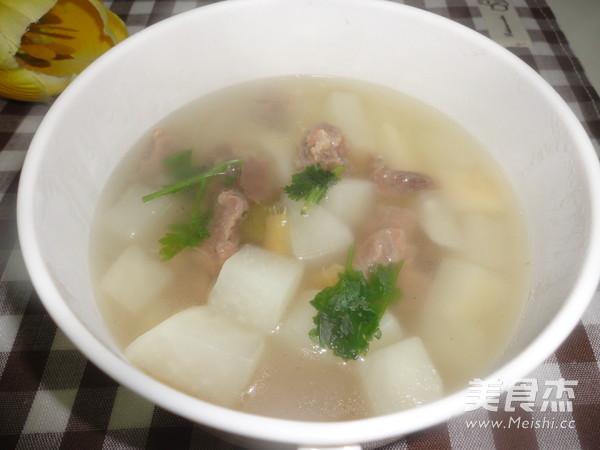 清炖牛肉萝卜汤成品图