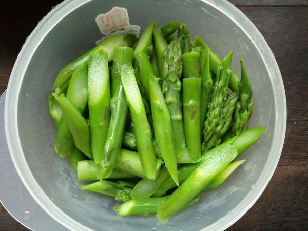芦笋炒肉的简单做法