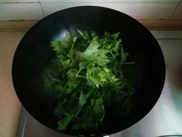芹菜拌虾皮的做法图解