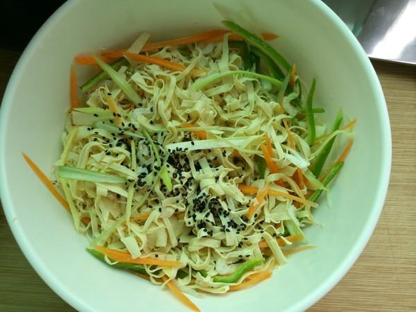 干豆腐虾皮的制作