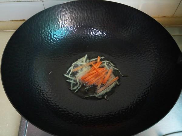 韭菜苔炒鱿鱼怎么做
