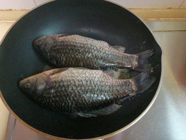 榨菜鲫鱼的家常做法