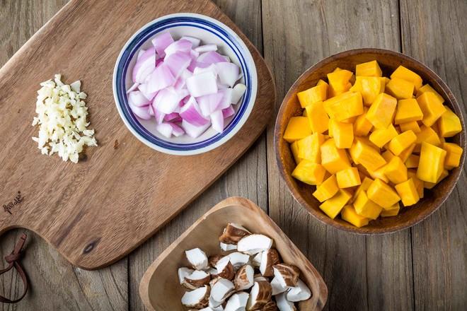 南瓜排骨焖饭的做法图解