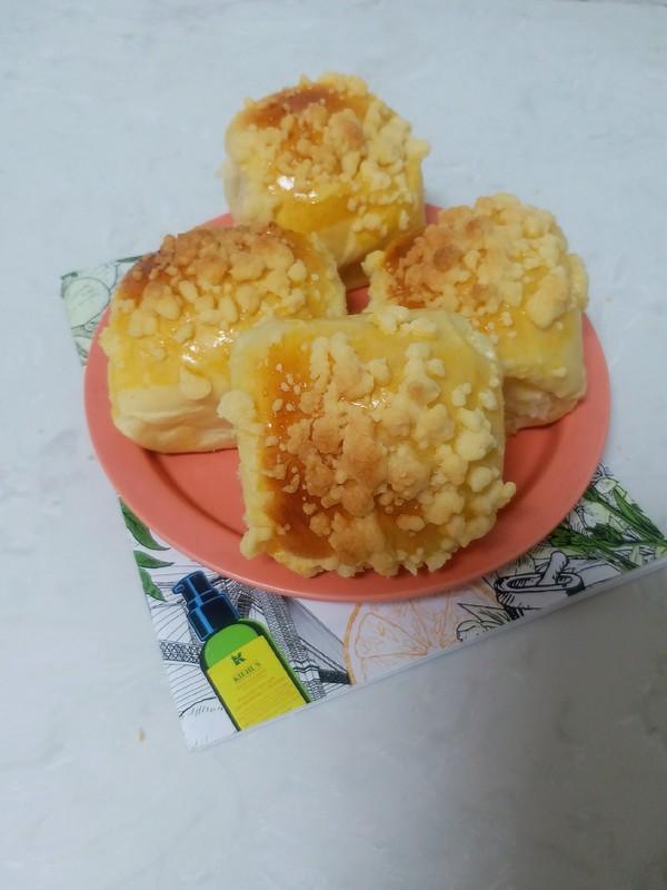 酥脆奶香软面包成品图