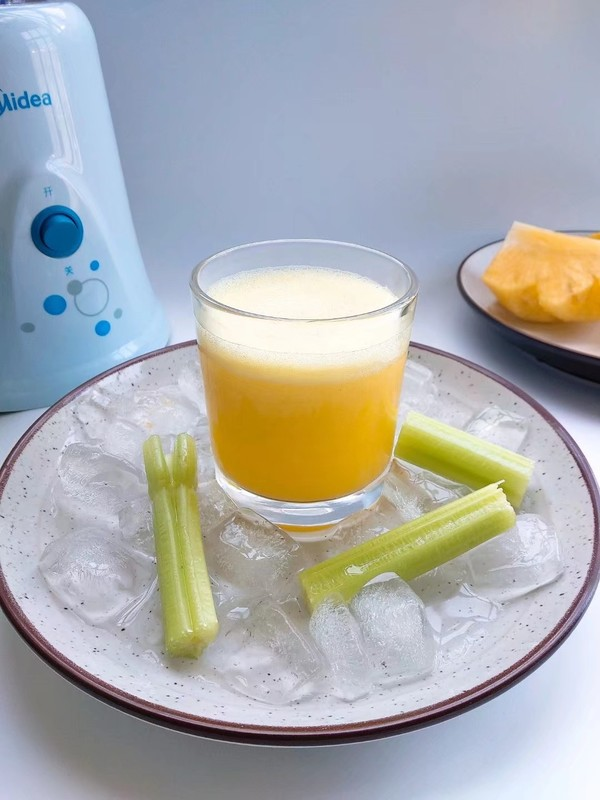 菠萝芹菜汁怎么做
