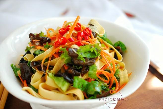 生菜拌豆皮成品图