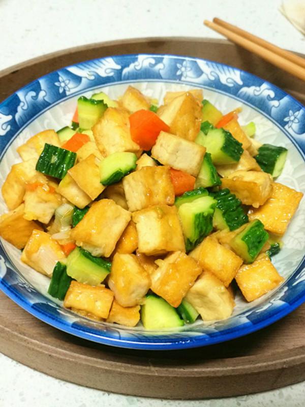 美食DIY ——黃瓜豆腐丁