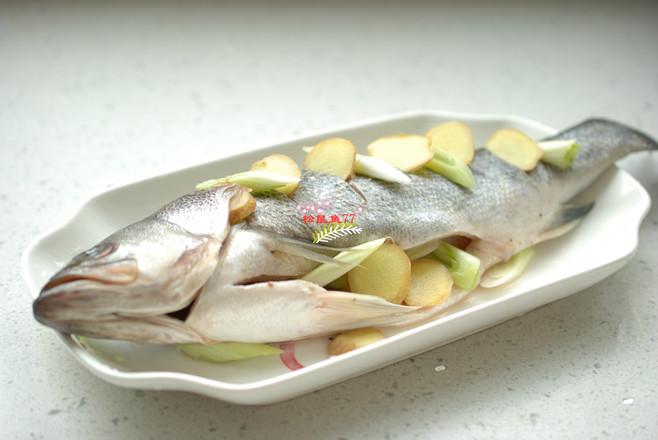 美食DIY——清蒸鲈鱼