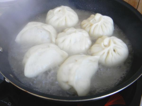 发面芹菜猪肉水煎包怎么煮