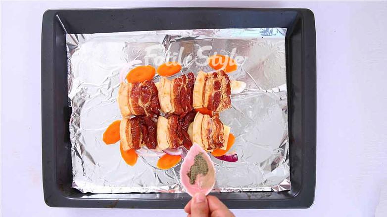 土豆烤五花肉怎么做