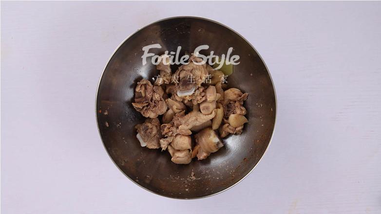 美食DIY——土豆焖鸡腿