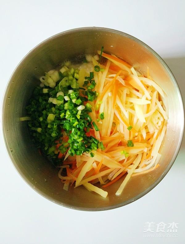 胡萝卜土豆鸡蛋饼怎么煮