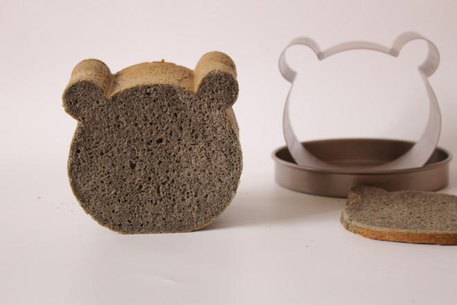 黑芝麻酱小熊面包成品图