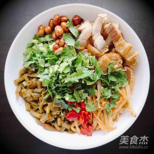 炒干豇豆的做法_美味干捞桂林米粉的做法_美味干捞桂林米粉怎么做_美食杰
