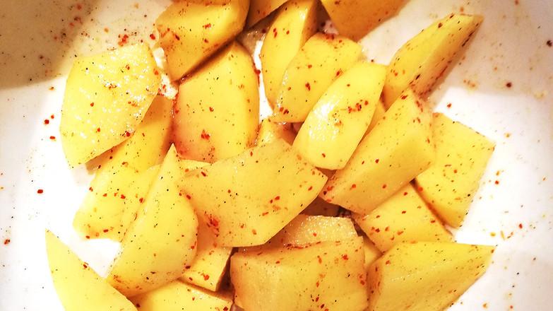 黑胡椒烤土豆的家常做法