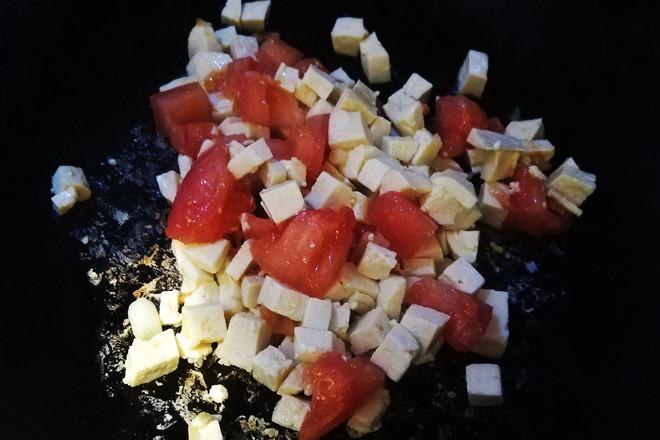 西红柿鸡蛋豆腐汤的家常做法